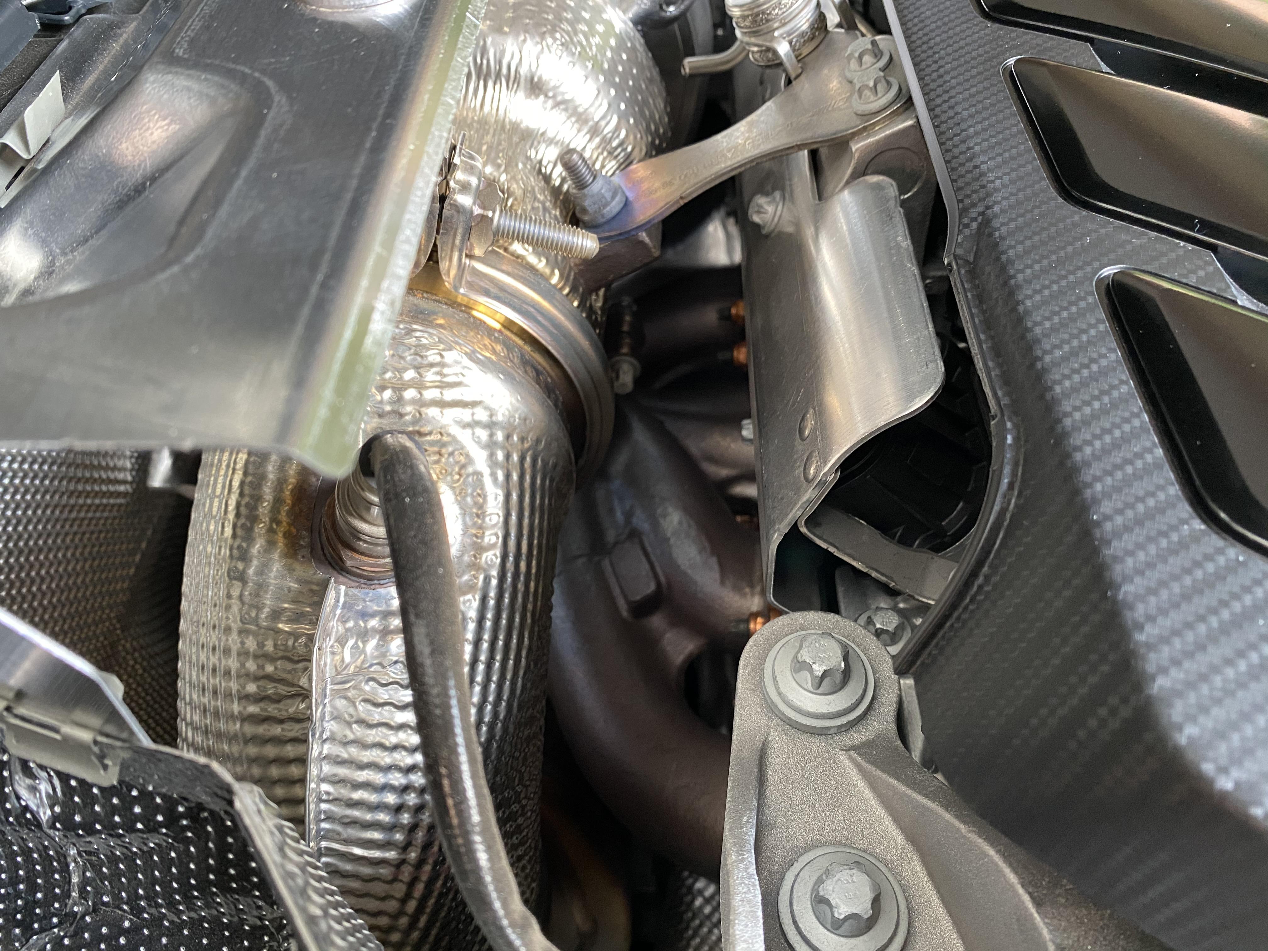 a45s_exhaust_manifold01.jpg