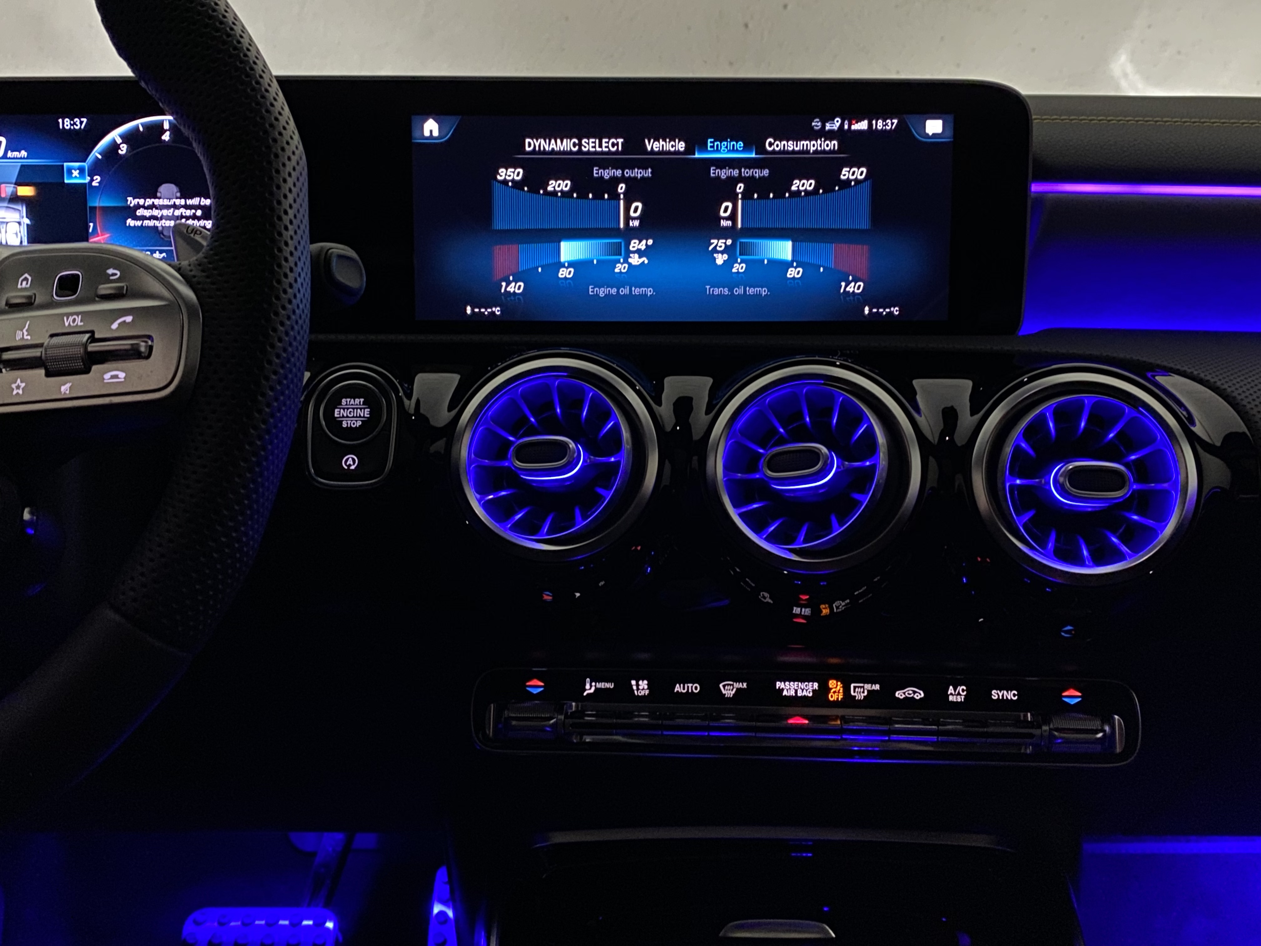 a45s_interior_front07.jpg