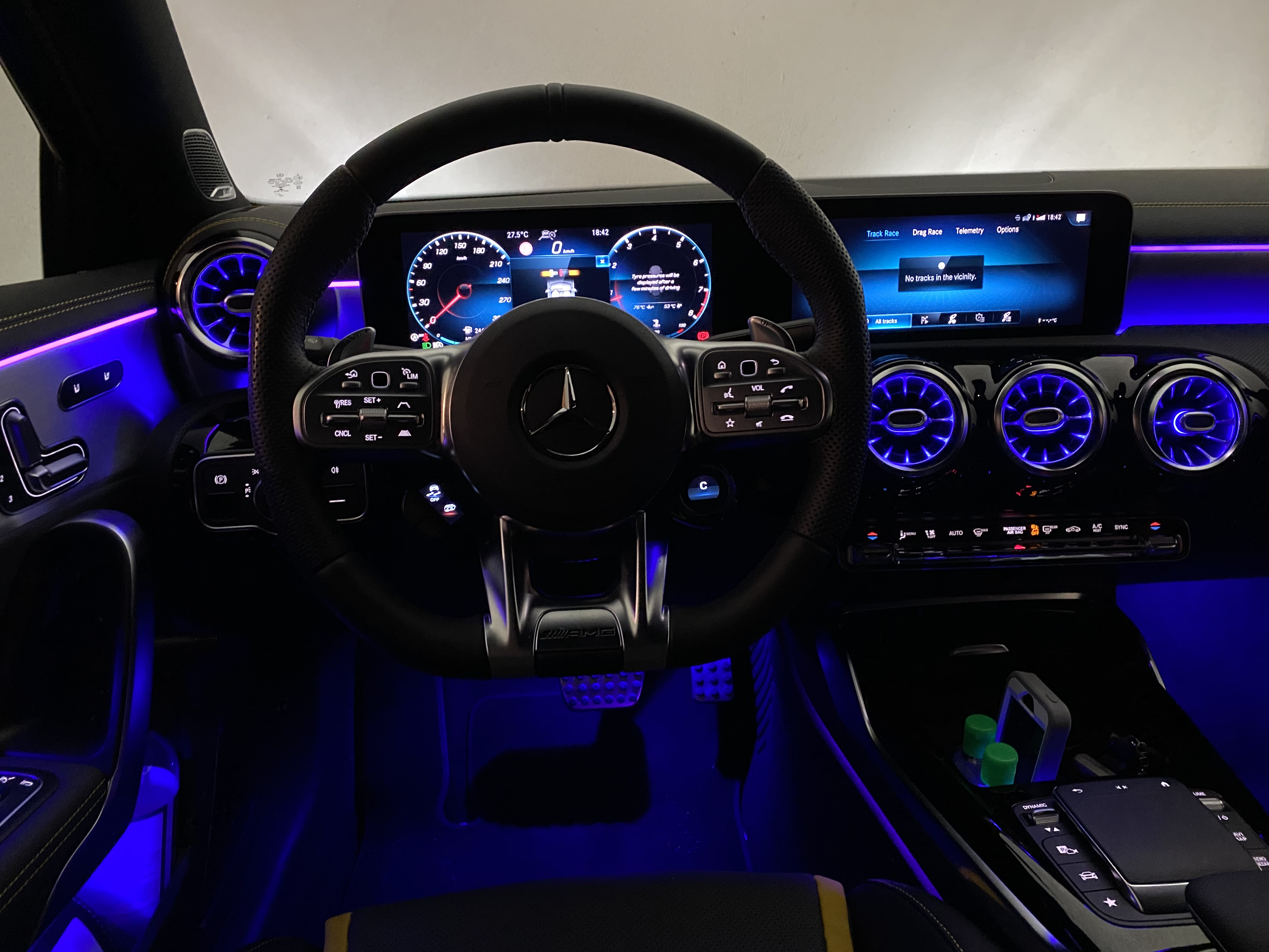 a45s_interior_front10.jpg
