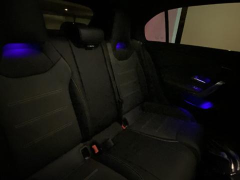 a45s_interior_rear01.jpg